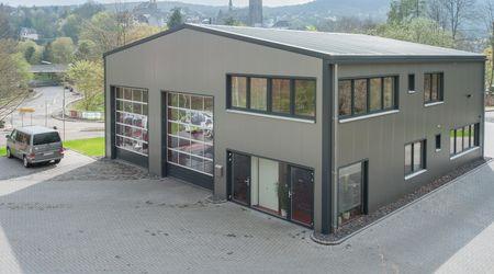 Halle Mit Büro Bauen
